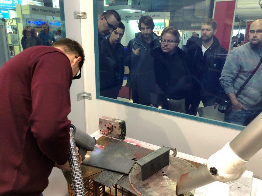 laser cleaning MSV Brno, industrial cleaning, laser, laser show, narran rod laser